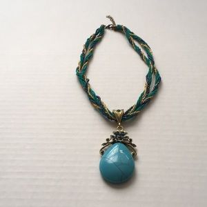 Ladies Fashion Turquoise and Beaded Necklace